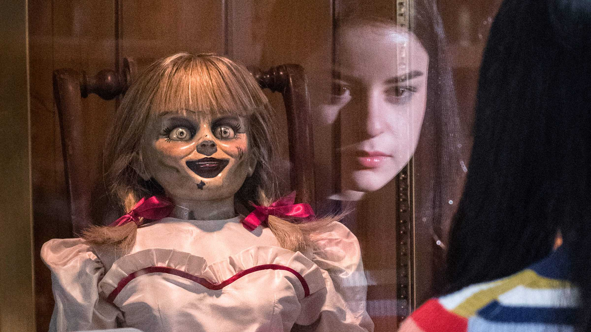 Mike's Review: Annabelle Comes Home (2019)