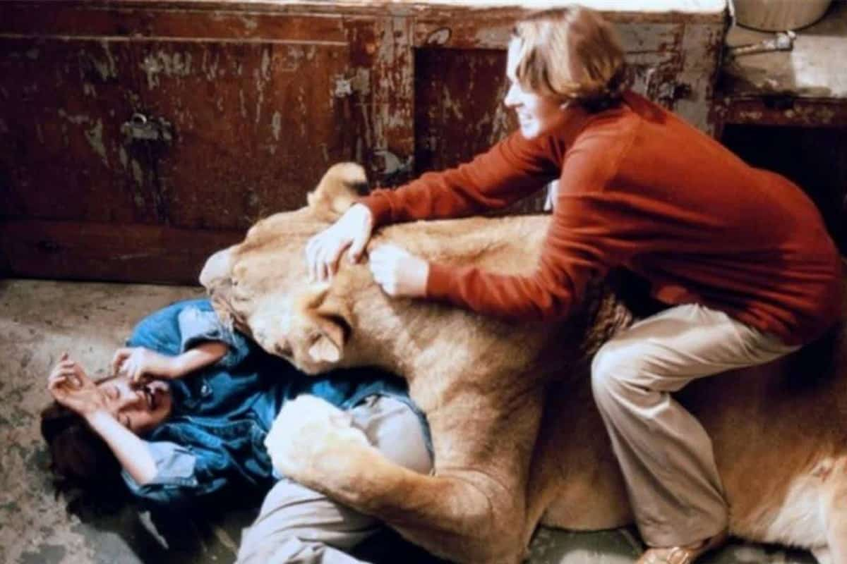 Eric's Review: Roar (1981)